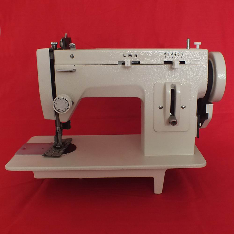 150 w Épais Vêtements Matériel Machine À Coudre En Cuir Synchrone Machine Électrique Machine À Coudre 0-7mm Aiguille Pitch 106-RP