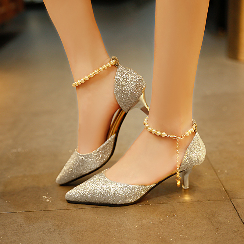 Tip top thin heeled hollow Korean version of Baitao sequined footrings with a word clasped beads of women and sandals in Middle Heels from Shoes