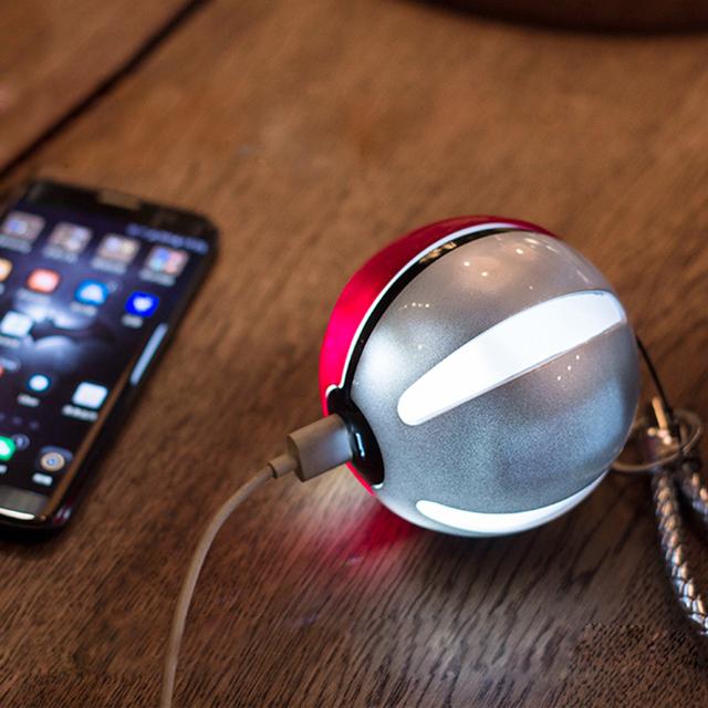 Top Vendendo Portátil bola Puxão Jogo Do Presente de Natal Pokemons telefone Banco do Poder Carregador De Bateria 10000 mAh com Dual USB LED luz
