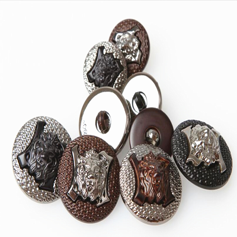 18MM Three-dimensional painting composition button Lionhead plating buttons personalized fashion mens casual wear buttons