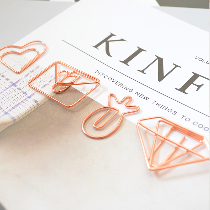 Купить с кэшбэком TUTU 20pcs/box Rose gold Plastic coated electroplating pineapple goblet Heart Shape Paper Clips Bookmark Marking Clips H0029