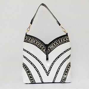 Image 2 - 2020 Luxury Fashion Diamond Bag Women Handbag Leather Female Large Capacity Shoulder Bag Messenger Bag Mujer Rhinestone Ladies
