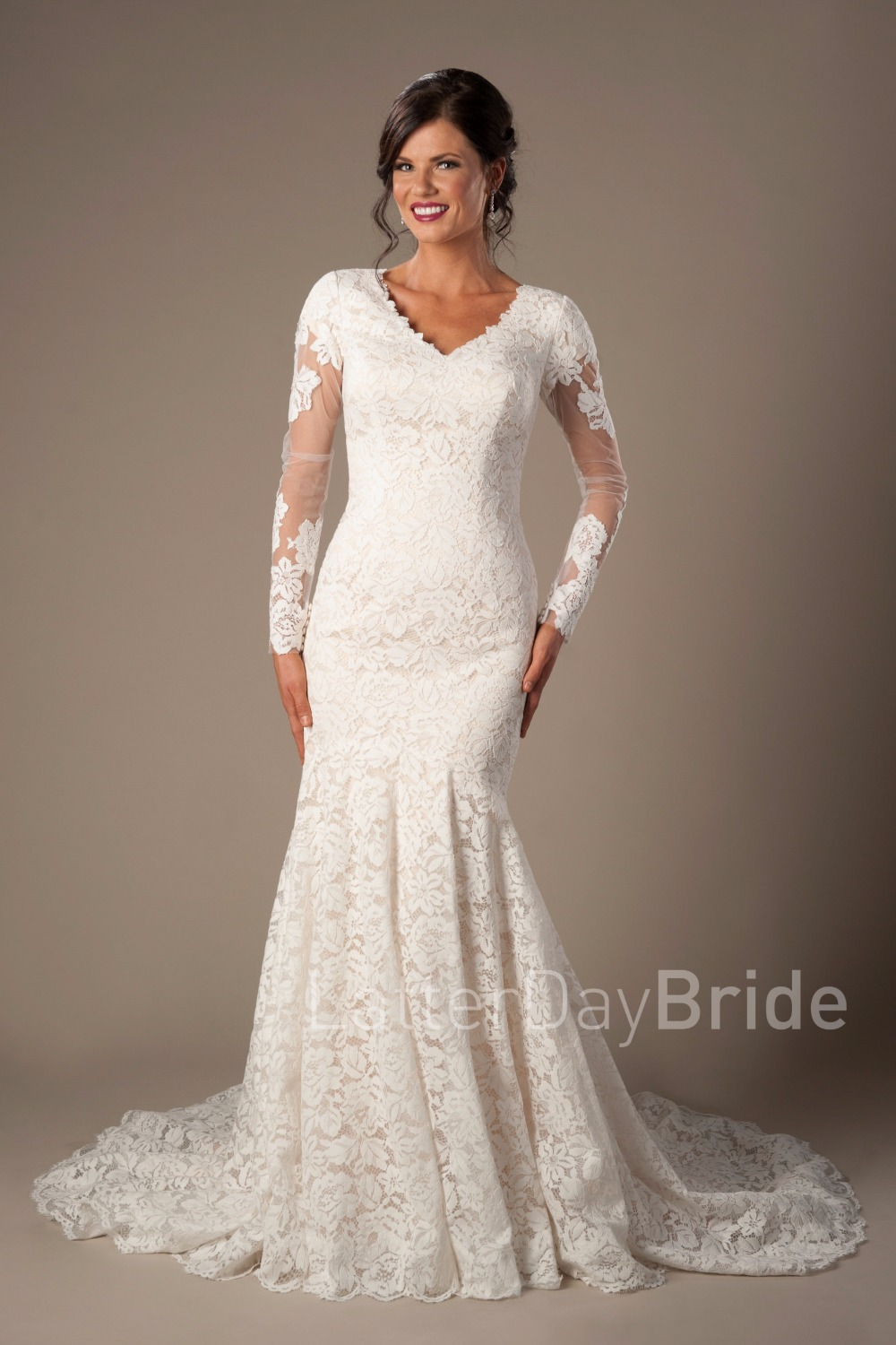 Vintage Champagne Lace Mermaid Modest Wedding Dresses With Long