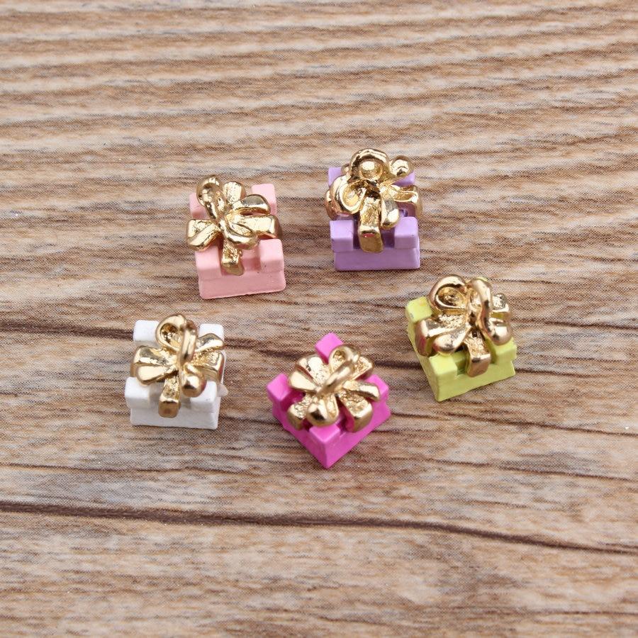 Wholesale Newest Christmas Birthday Gift Box Alloy Jewelry Pendant Charms Fashion DIY Bracelet Necklace Floating Enamel Charm