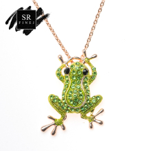 Фотография SR:FINEJ Vintage Gold Color Frog Brooch Black Eyes Insect Toad Brooches For Men Women Scarf Coat Accessories DIY Jewelry Pin