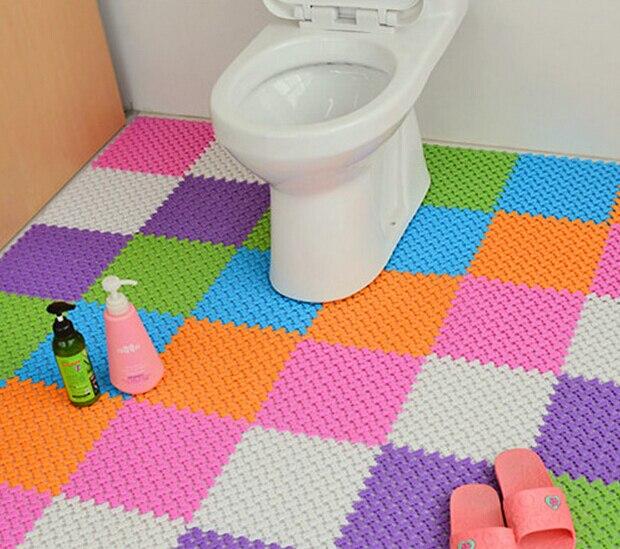 Купить с кэшбэком New Plastic Rubber Non-slip Shower Bathroom Massage Mat Mosaic Bath Mat Random Color ss284