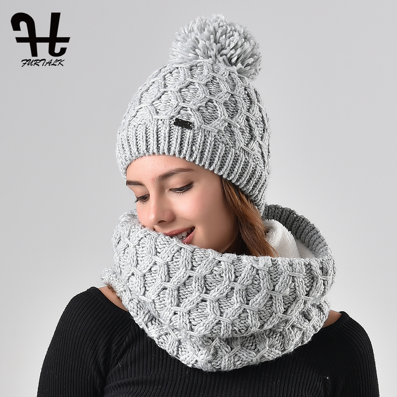 f19f57590e681 Furtalk winter women knitted hat and scarf set raccoon fur pom pom beanie  hat scarves for