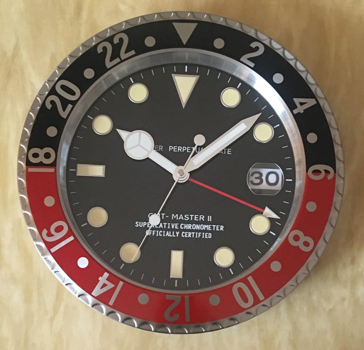 S & F Met Vergrootglas Retail Metalen Horloge Vorm Wandklok met Kalender Luxe Klok op De Muur - 3