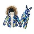 Ropa de niños del Invierno Del Bebé niñas Traje Engrosada abajo Capa Caliente Abrigos de Piel Chaquetas + Bib Pantalones trajes para la nieve ropa