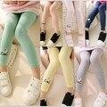 Девушки брюки детские гетры 2015 весной чистые цвета конфеты вышитые девушка леггинсы брюки для девочек