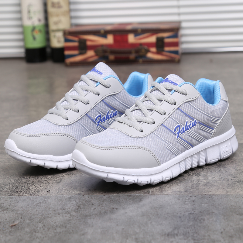 Sporty Women Sneakers 2019 New Women Shoes Mesh Light Breathable Outdoor Running Shoes Woman Plus Size White Women Sports Shoes