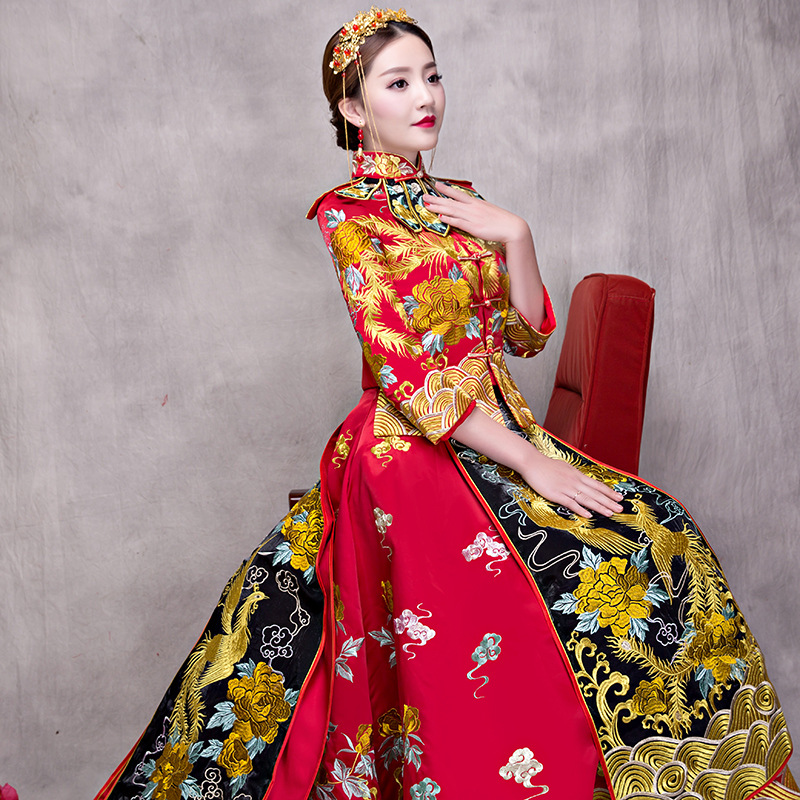 545fa89df Sexy Floor Length Qipao Elegant Bride Wedding Dress Evening Gowns  Traditional Chinese Women Trailing Embroidery Cheongsam S XXL-in Sets from  Novelty ...