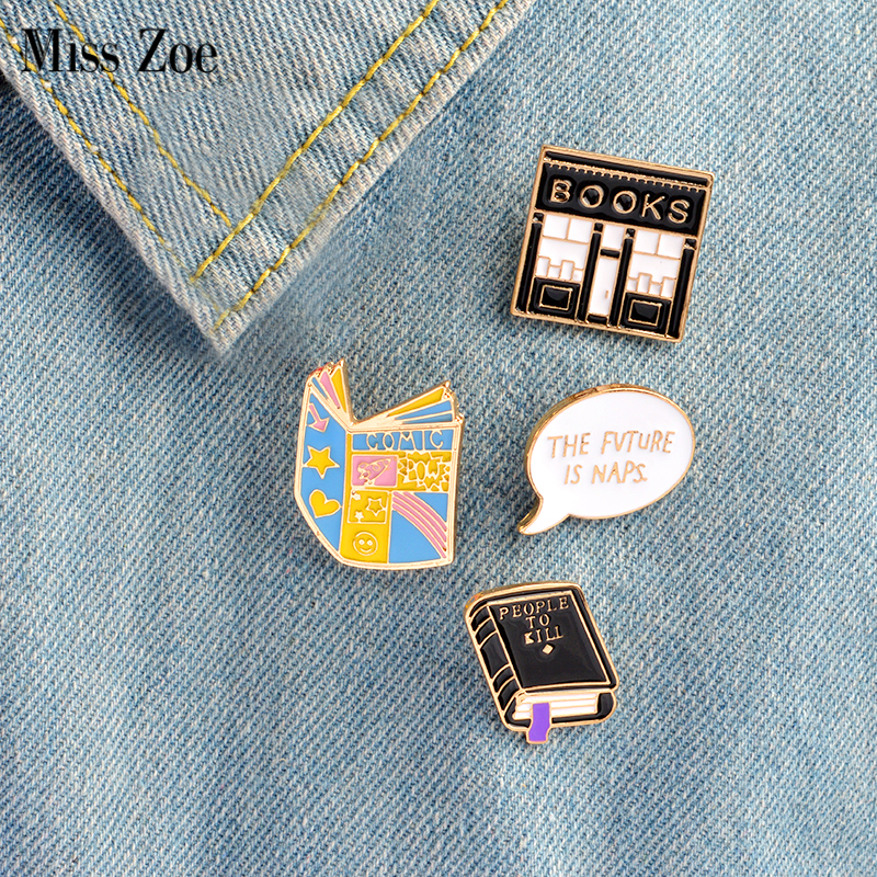 4tk / kompl. COMIC must raamat RAHVUSVAHELISEKS Raamatupoeg Pross Denim Jakk Pin Buckle Shirt Badge Cartoon Ehted Kingitus lastele
