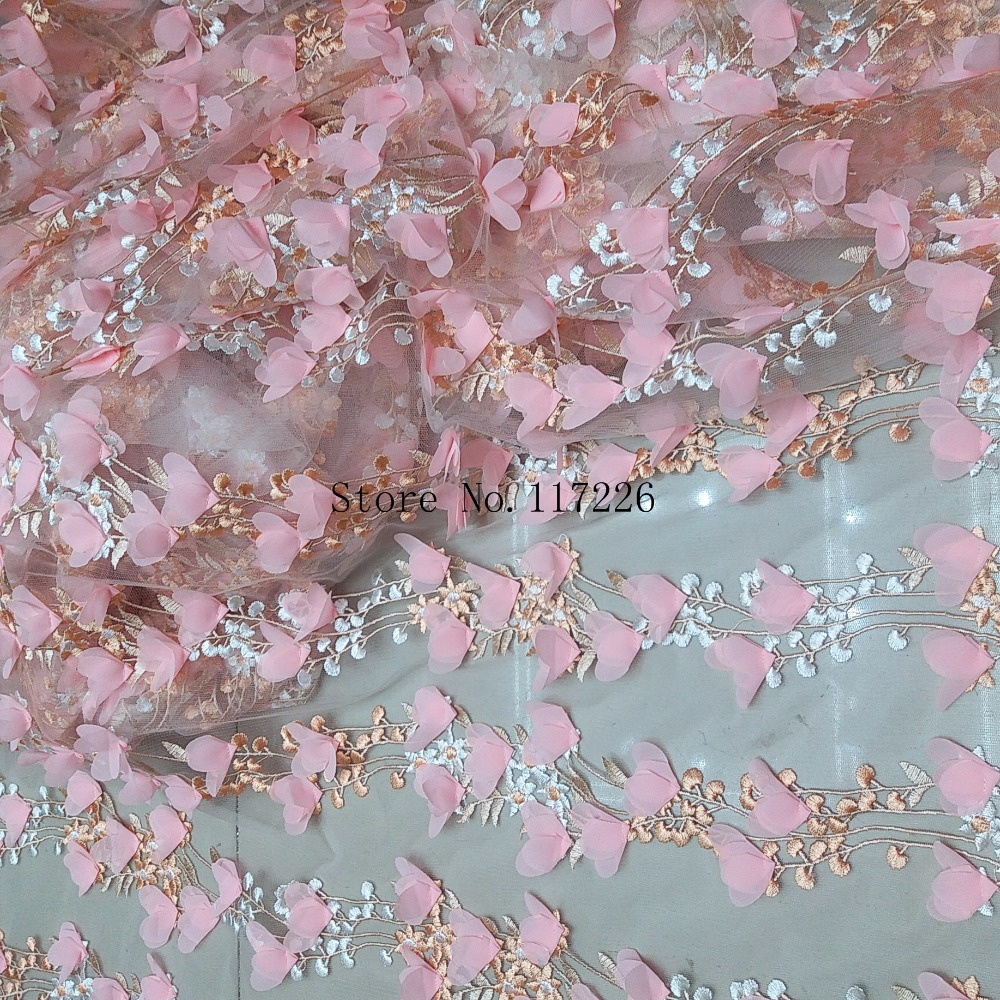 Pretty flower embroidered tulle lace fabric with d