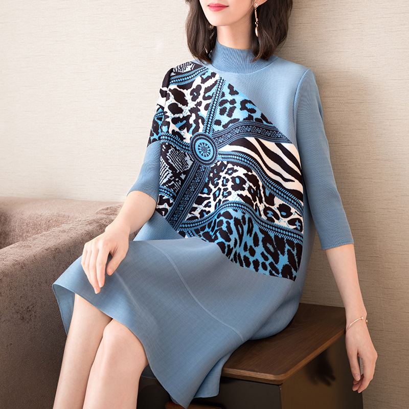 Plus Size Dress Women Turtleneck 2019 Spring Summer New Leopard Printed Elegant Loose A-Line Miyake Pleats Knee Length Dress