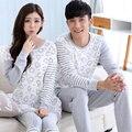 Otoño de Manga Larga Ropa de Dormir A Rayas Parejas Pijamas Amantes de Los Hombres Conjuntos de Pijamas Mujer Pijamas Casa Ropa de Moda Femenina