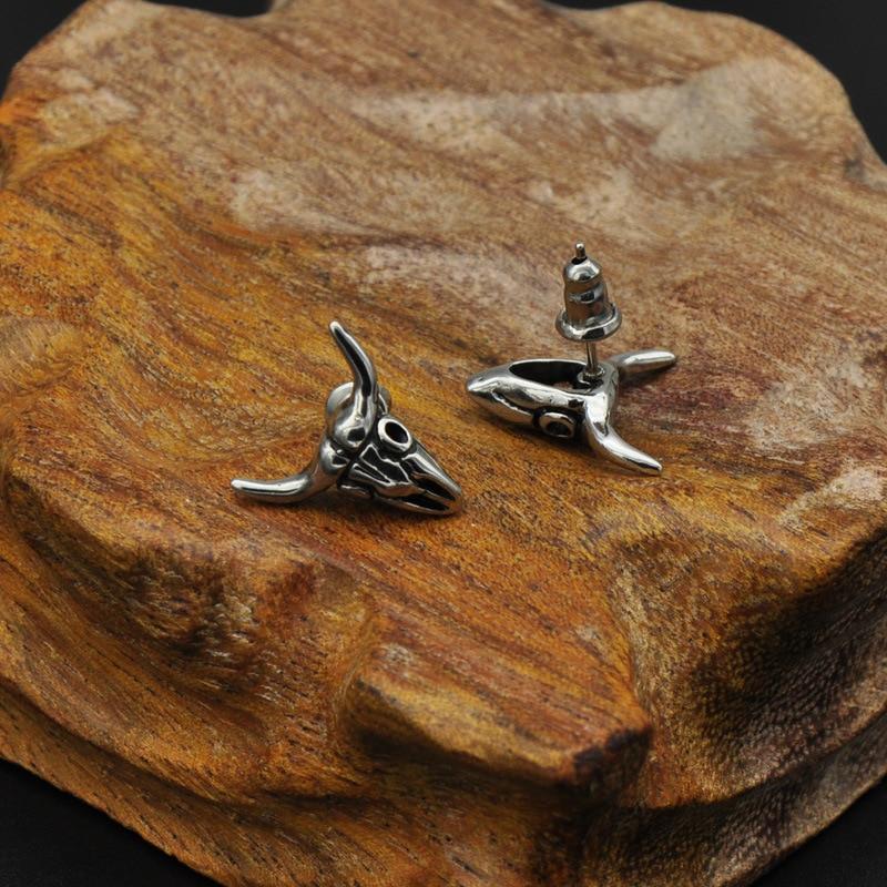 Retro Ngau Tau Skull Stainless Steel Male Studs Earrings Punk Charm Man Earrings European and American Domineering Jewelry