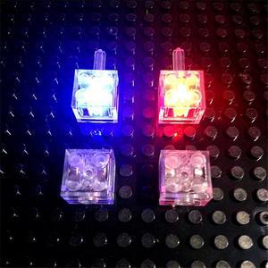 Image 4 - 5 teile/los Leucht Blöcke LED Licht Diy Strobe Leucht Doppel Lampe Bunte Licht Zubehör Ziegel Spielzeug für Kinder