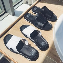 2018 Summer Casual Men Slippers Outdoor Leather Flat Slippers Men Open-Toed Beach Slippers Black Slides 2019 slippers men shoes slides men summer flat bathroom slippers comfortable rubber soft stripes casual beach slippers sorrynam