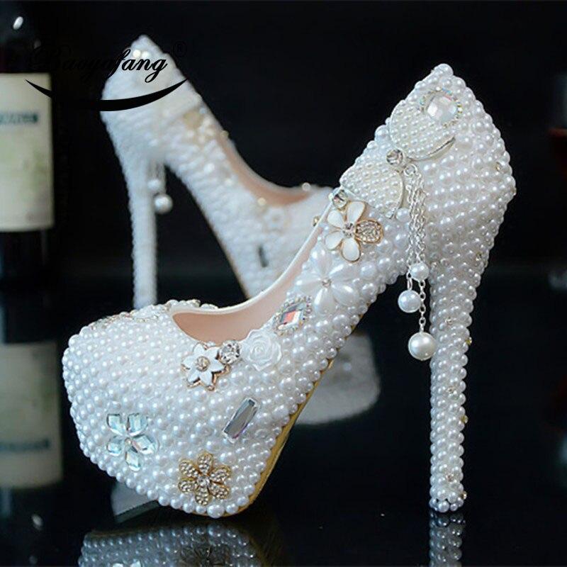 Bao yafang 2019 Nuove Donne di arrivo scarpe da sposa bianco perla Arco vestito dal partito scarpe Da Sposa Donna tacchi Alti della piattaforma di scarpe-in Pumps da donna da Scarpe su  Gruppo 2