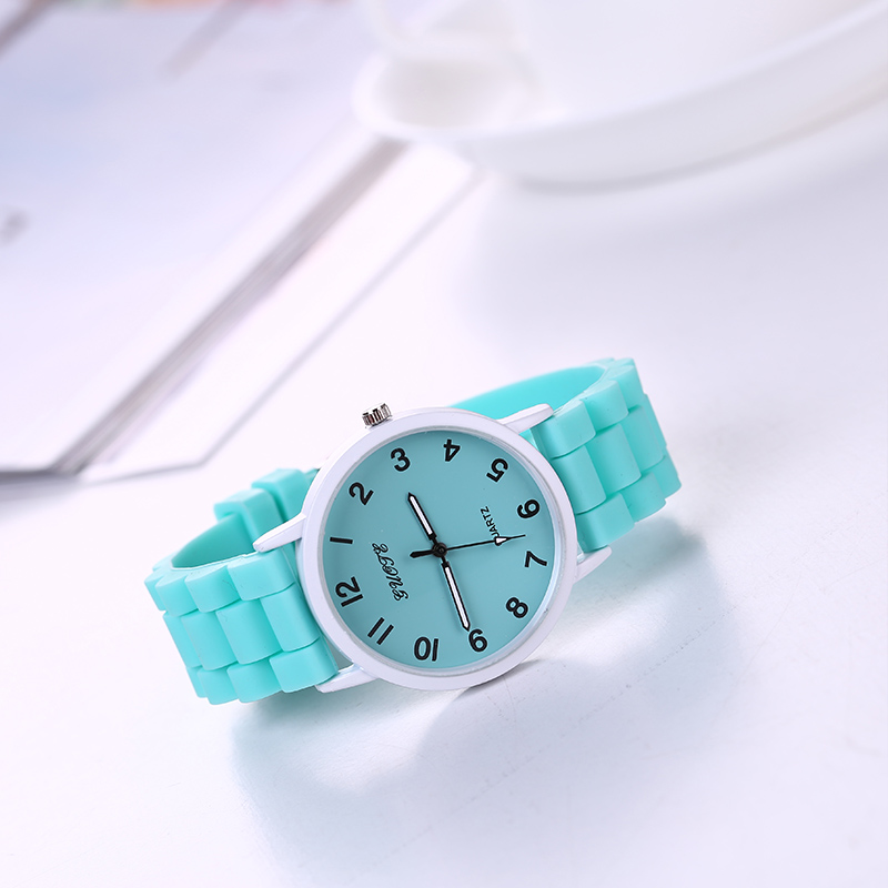 GUOTE Hot Sale Women Wristwatches 2016 New Style Geneva Classic Fashion Casual Girls Watches Women Colorful Silicone Strap Watch new guote fashion designer geneva ladies sports brand white