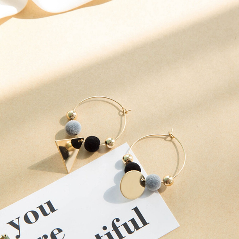 2018 New Fashion Style Boho Dangle Earring Gold Color Circle Plush Ball Earrings Accessories For Women Pearl Color Jewelry Gifts