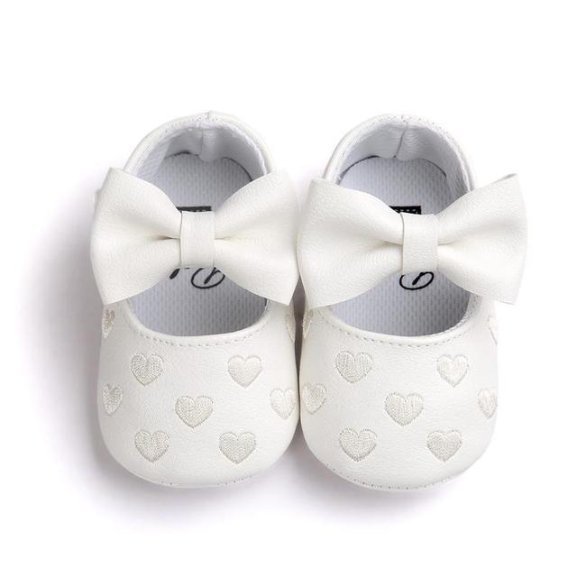 446fa690c76d0 Bébé fille Princesse chaussures coeur broderie de mode enfant mocassins chaussure  bebes fille zapatos menina blanc