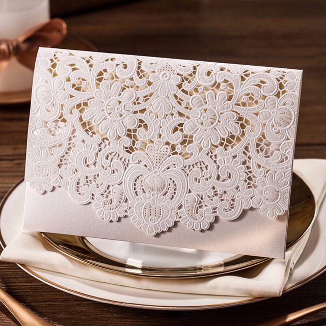 30pcs Horizontal Laser Cut Wedding Invitations Cards White Gold Red Embossed Flower Paper Cardstock With Envelope