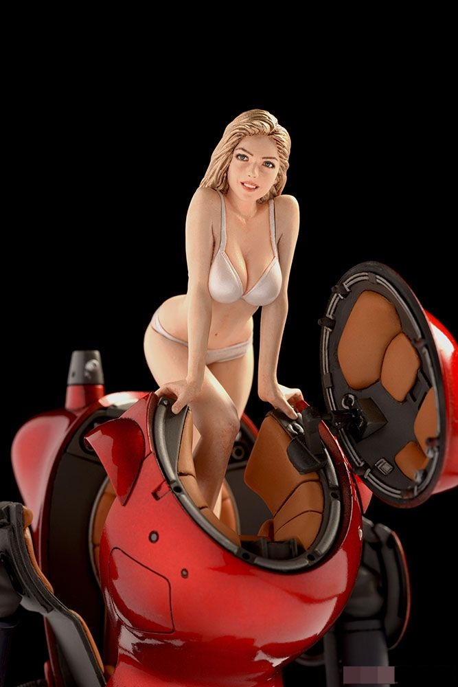 1/24   Swimwear Blonde Girl Not Including Red Spaceship  Historical Toy Resin Model Miniature Kit Unassembly Unpainted
