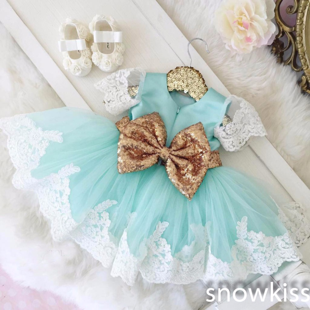 цена на 2016 Bling Golden bow Lace flower girl dresses baby 1 year Birthday Party Dress toddler girl pageant dress ball gowns
