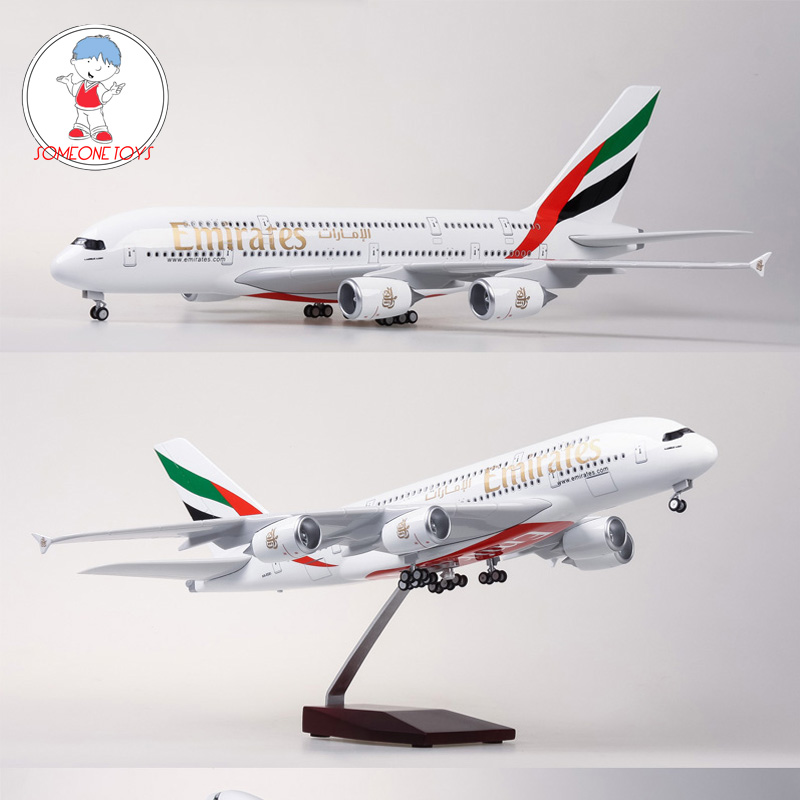 1/160 Scale Airplane Model Airbus EMIRATES A380 Airline Aircraft Model With Light Wheel Diecast Resin Plane Collection Toys Gift