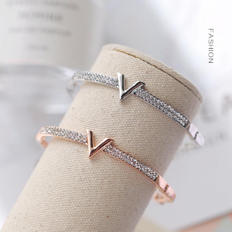Luxury Letter Crystal Bracelet Bangles Women Fashion V Rhinestone Arm Cuff Bracelets Gold Silver Color Geometric Zircon Bracelet