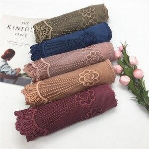 Fashion flower lace edges patchwork with viscose plain solid scarf luxury shawl muslim women hijabs fashion wraps 10pcs/lot