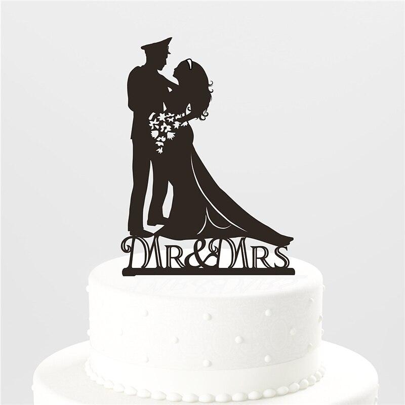 Soldat der Ehe Hochzeitstorte Topper-Braut und Bräutigam Umarmung ...