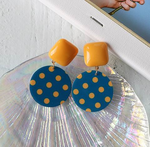 Vintage Pointed Blue Round Resin Earrings For Women 2019 New Personality Fashion Jewelry pendientes in Drop Earrings from Jewelry Accessories