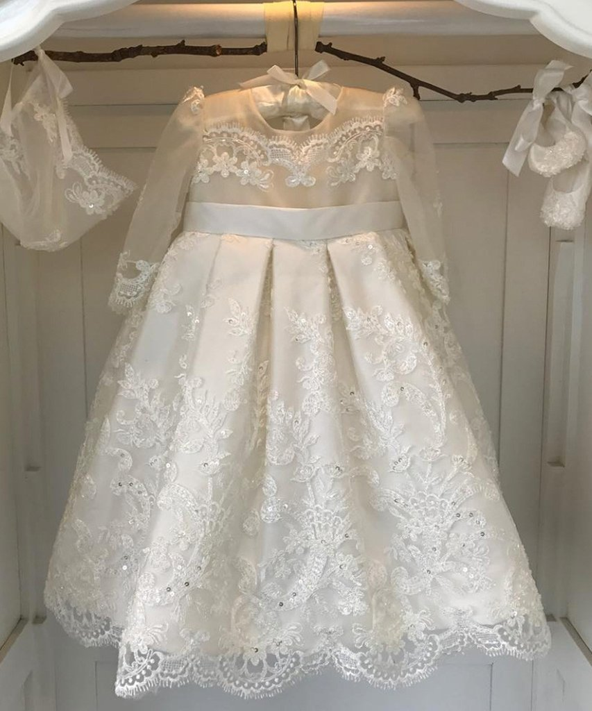 Sparkling Lace Detailing Girls First Communion Dresses Pearls Button Back Sequined Satin Children Ball Gown with Silk Ribbon Bow