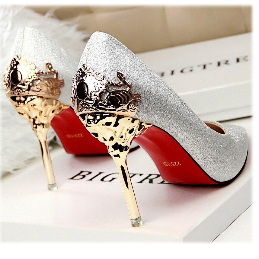 2017 новый сексуальный психического пятки женская обувь замши на высоком каблуке женщины насосы цветок металла пятки шпильках 9 цвета