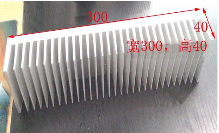 Largeur de radiateur en aluminium d'aileron de radiateur d'amplificateur de puissance 300, haut 40, longueur 300mm longueur peut être adapté aux besoins du client radiateur de 300*300*40mm