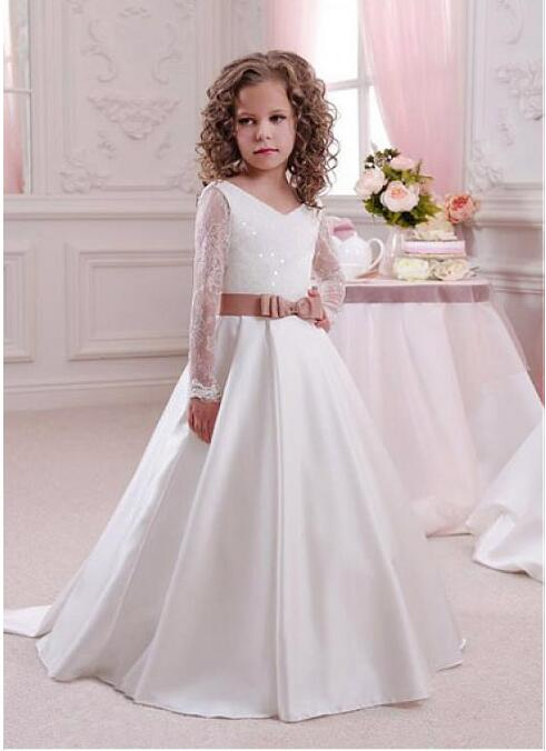 Ivory White Long Sleeves Lace Dresses for Girls Birthday V Neck Lace Applique with Train Flower Girls For Wedding Communion Gown