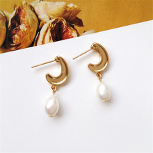 Ms unique girl pearl earrings fashion geometric metal wholesale freshwater
