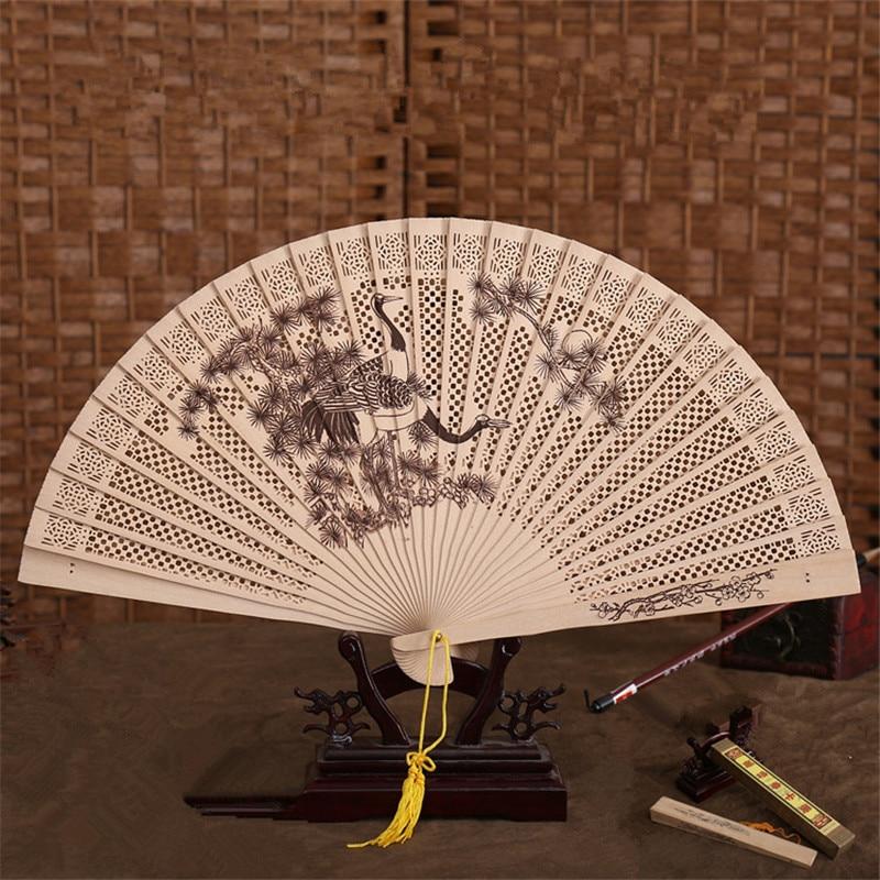 중국 향기 절묘 한 레이저 조각 공예 접는 대나무 나무 조각 된 손 팬 사용자 지정 로고 파티 포켓 팬