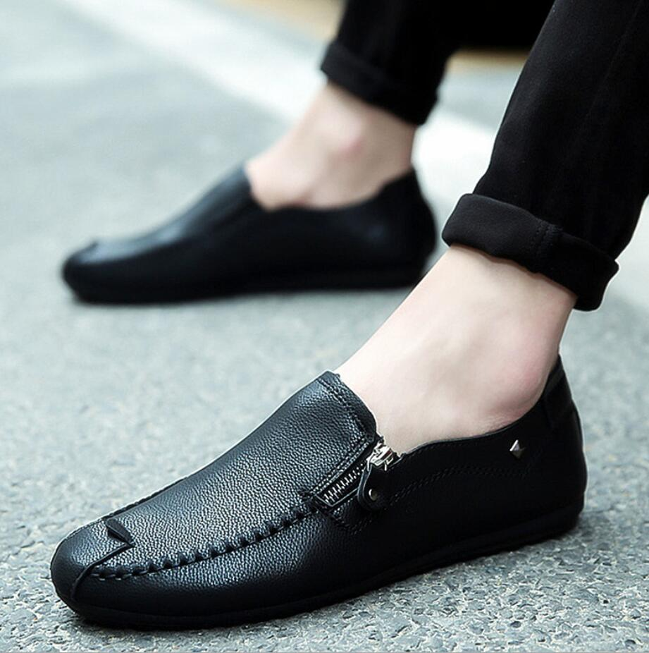 2019 Casual Men Designer Shoes Solid Light Comfortable Flat Shoes Zipper Loafers Leather Footwear Sneakers Mocassin Homme D61