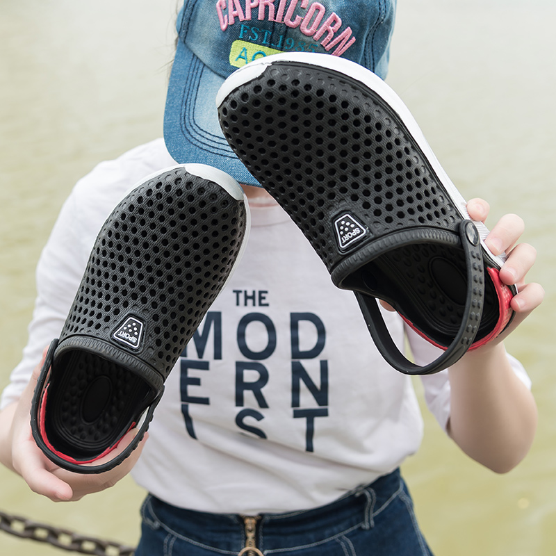 Comfortable Men Pool Sandals Summer Outdoor Beach Shoes Men Slip On Garden Clogs Casual Water Shower Slippers Unisex 2019 New(China)