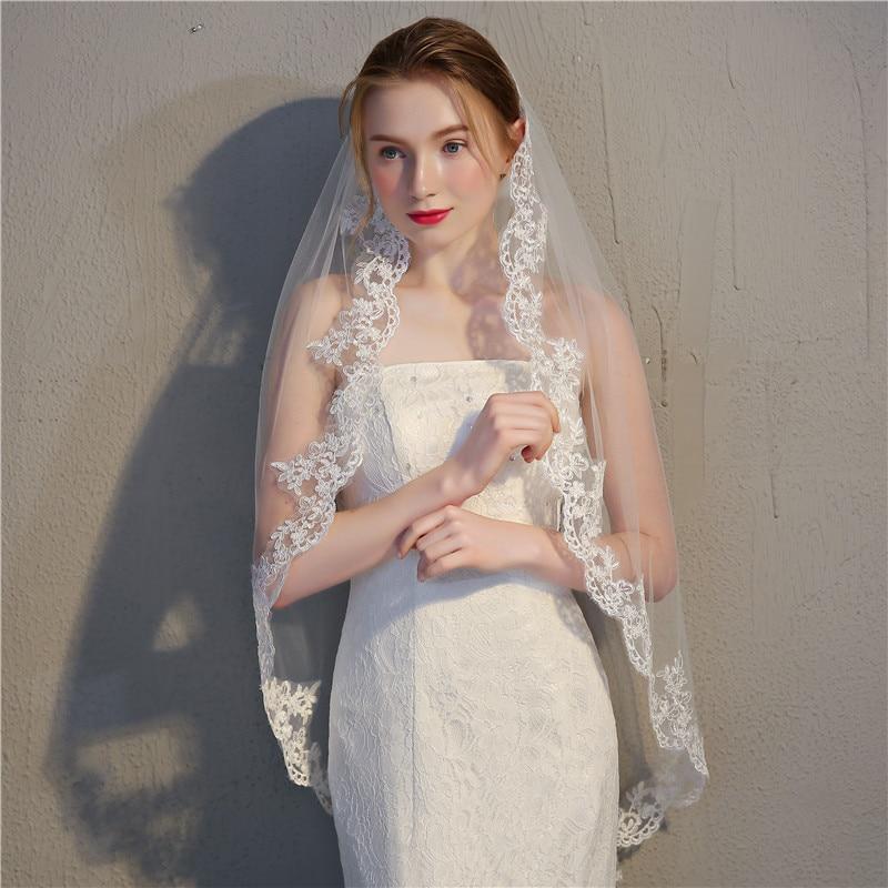 JaneVini Elegant One Layer White/Ivory Bridal Veil with Comb Lace Edge Fingertip Veil Short Wedding Veil for Bride Bruidssluier