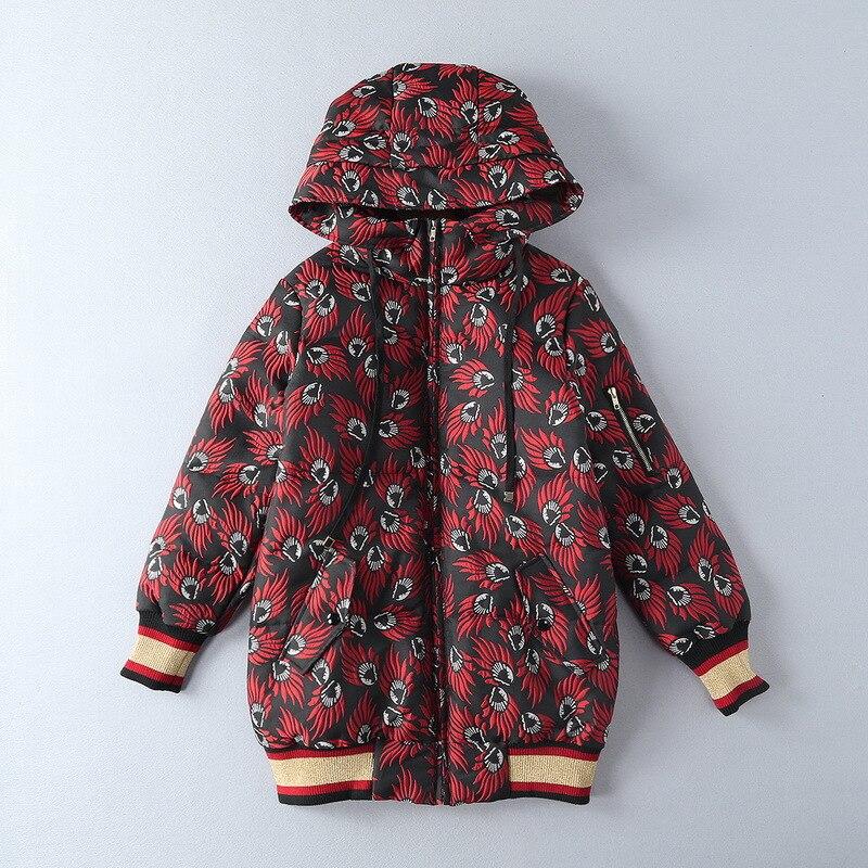 56460f9df Europa y América ropa de mujer 2017 Nuevo invierno manga larga con capucha  llama impreso cremallera Abrigos de plumas chaqueta