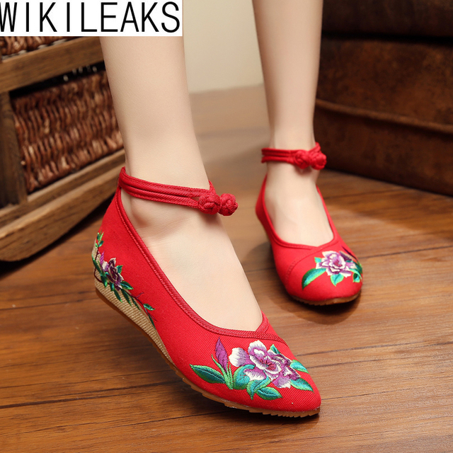 2016 New Fashion Women Shoes Chinese Style Embroidered Cloth Walking Shoes Woman Old Beijing Mary Jane Flats With Casual Shoes