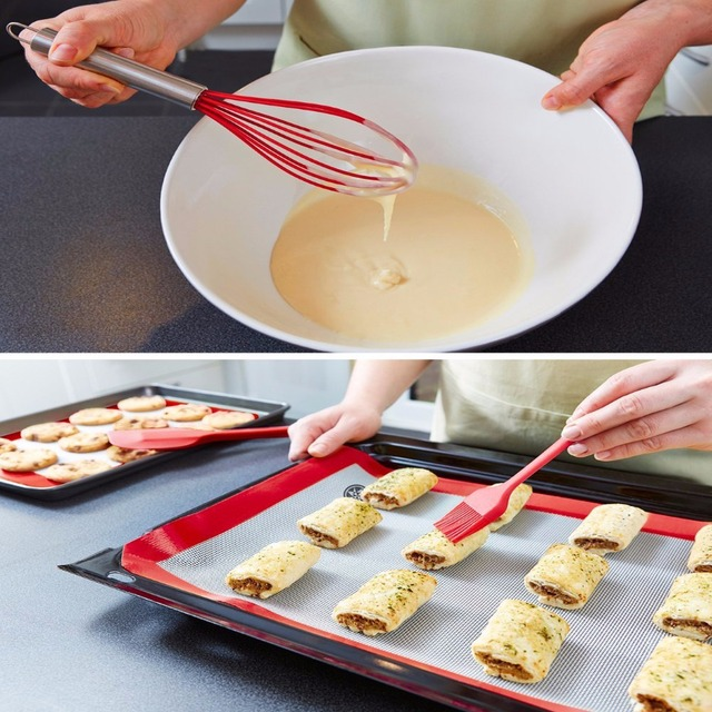 Silicone utensil set for the kitchen