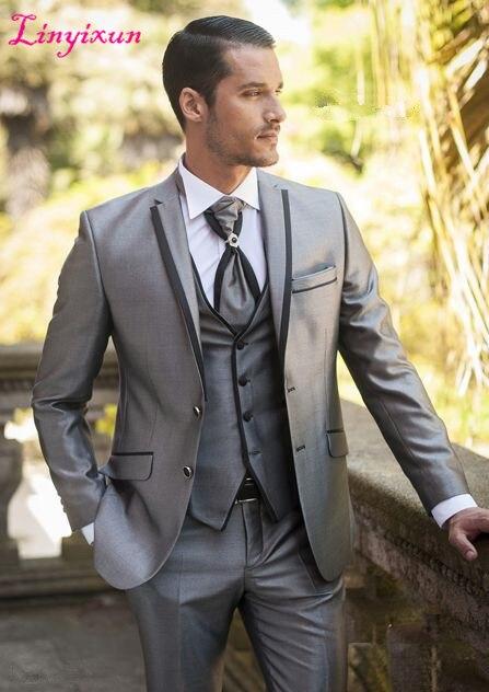 Linyixun آخر معطف بانت تصاميم 2018 الرجال الدعاوى زفاف العريس الفضة تلميع المواد 3 أجزاء الدعاوى الزفاف للرجال سهرة-في بدلة من ملابس الرجال على  مجموعة 3