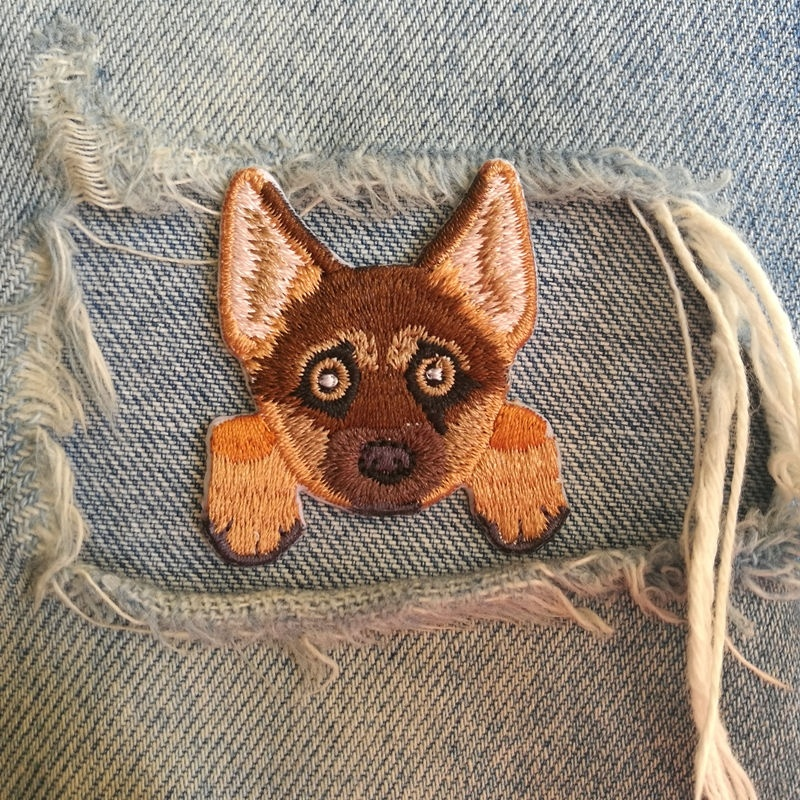 1 PIC 3.8*4.1CM Embroidery Subsidy Computer Embroidery Chapter DIY GERMAN HERD DOG Clothes Decoration Patch