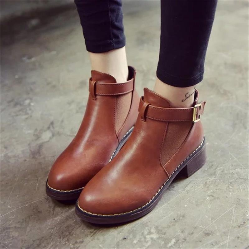 Botas Martin tobillo mujer otoño 2018 zapatos casuales mujer plataforma de moda plana punta redonda hebilla Correa sólida cómoda